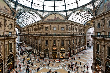 shopping in milan for russians